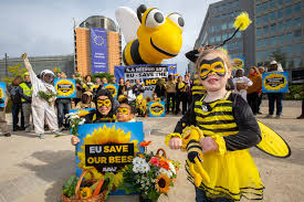 AVAAZ SAVE THE BEES